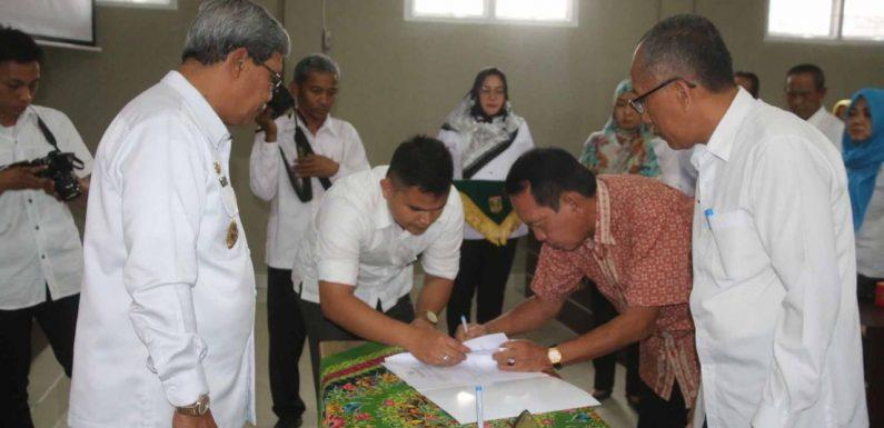 Pensiun, Abdulhak Digantikan Makmuri sebagai Plt. Kepala Bappeda Lamteng