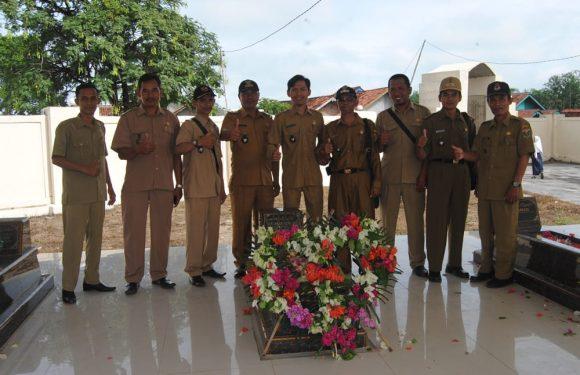 APDESI Kecamatan Padangratu Partisipasi Memperingati Hari Pahlawan