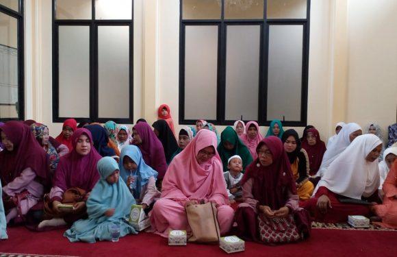 Majelis Ta'lim Nurul Al-Hidayah Mauludan bareng Kyai Bustomi Al-Jawy : Jadilah Emak-Emak Ideologis yang Berjuang Agar Syariat Islam Tegak di Muka Bumi