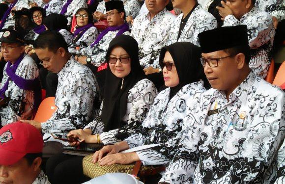 Cinta Guru, Istri Bupati Lamteng Luangkan Waktu ke Bogor