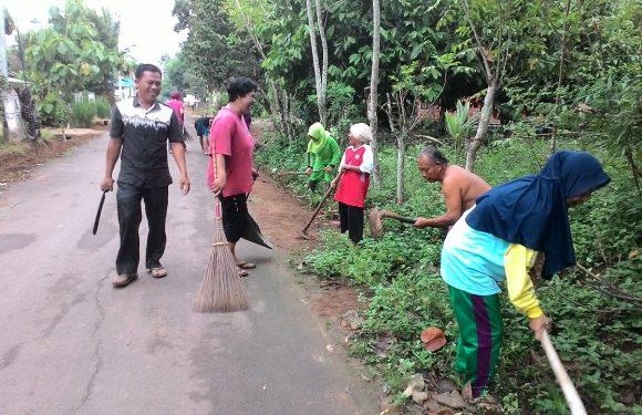 Kampung Liman Benawi Galakkan Jumat Bersih