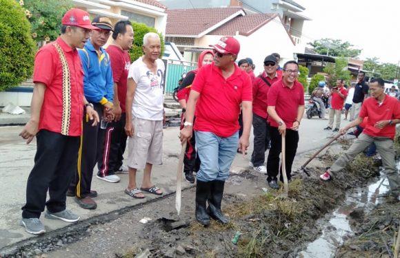 Bupati Loekman, Perbaiki Saluran Air Di Bandarjaya Barat