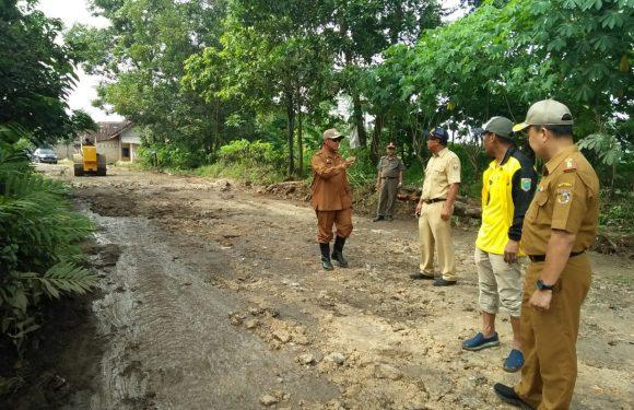 Bupati Loekman, Targetkan Jalan Kabupaten di Rigit