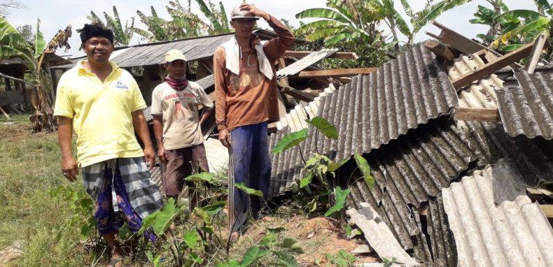 Angin Puting Beliung, Hancurkan Ratusan Rumah Warga Kecamatan Seputihraman