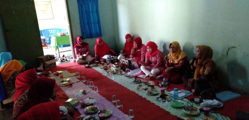 TP PKK Kecamatan Padangratu Rakor di Kampung Sendangayu