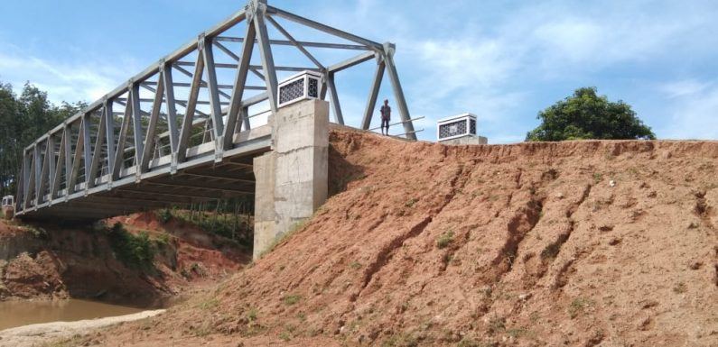 Warga Putralempuyang Berharap Badan Jalan Menuju Jembatan Segera Ditimbun