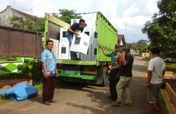 PPK Kalirejo Distribusikan Logistik Pemilu