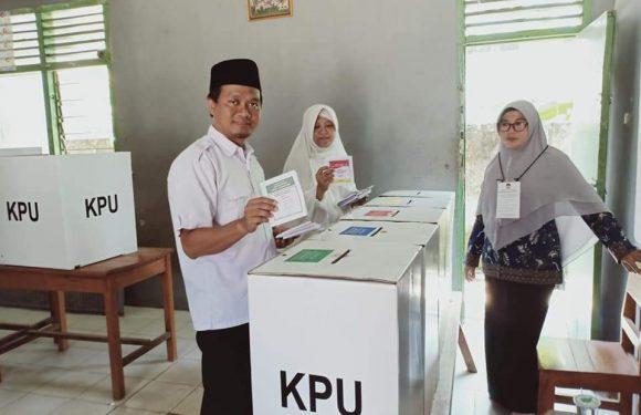 Naik Motor, Ketua DPW PKS Lampung Datangi TPS