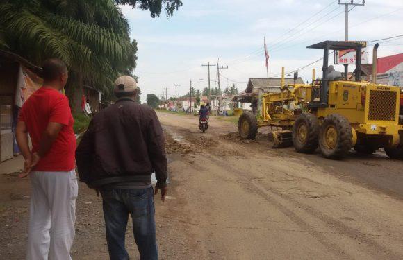 Komang Koheri Peduli Infrastruktur Lamteng