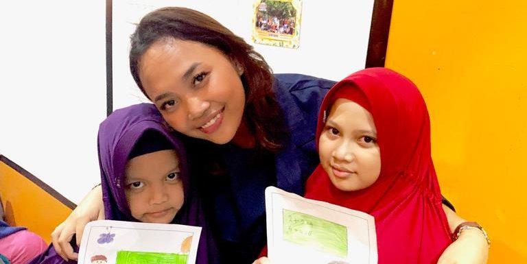 Tasya Anak Komang Koheri, Berikan Santunan dan Pemahaman Toleransi Umat Beragama di Domyadhu