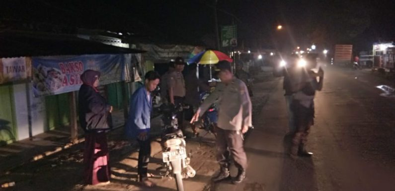 Kapolsek Bangunrejo Pimpin Razia Malam Jelang Idul Fitri