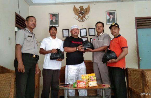 PT Florindo Makmur Buminabung Bagi Paket Sembako di Tiga Kampung
