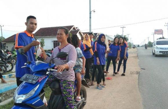 Karang Taruna Kampung Srikencono Bagikan 200 Takjil