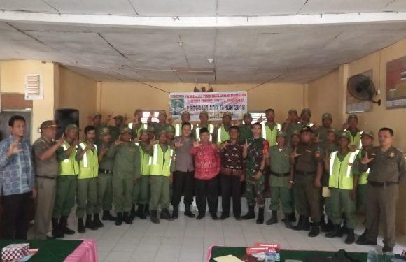 Puluhan Linmas Kampung Tanjungjaya Dapatkan Pembinaan Dari Camat