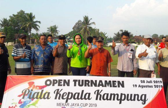 Pairin Buka Turnamen Piala Kepala Kampung Cup
