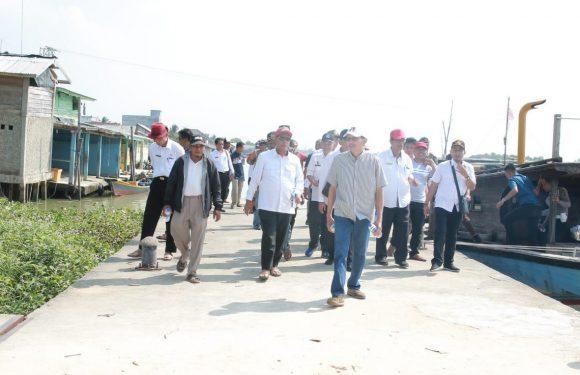 Bersama Tim Nawa Cita, Bupati Loekman Tinjau Dermaga Kampung Cabang