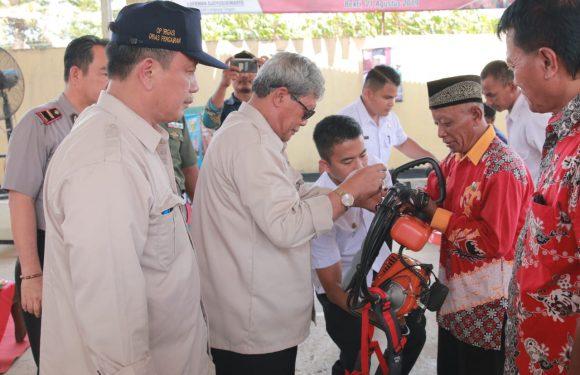 Bupati Loekman Beri Bantuan Alat Kerja untuk UPTD Pengairan se-Lamteng