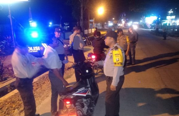 Tekan Kriminalitas, Polsek Rumbia Gelar Razia di Jalan Raya