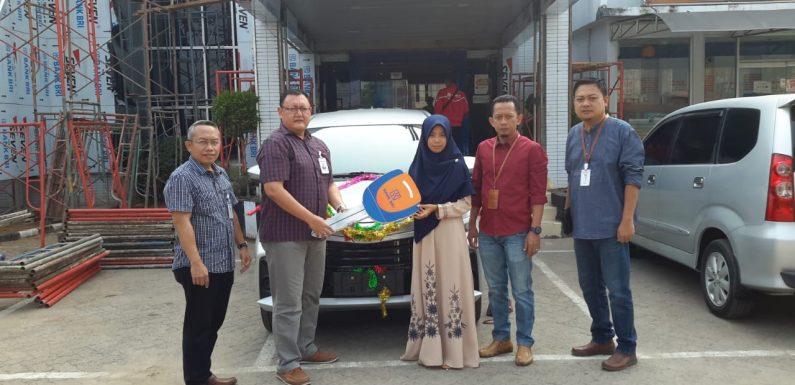 Siti Maisaroh, Nasabah BRI Penerima Hadiah Grandprize Toyota Avanza