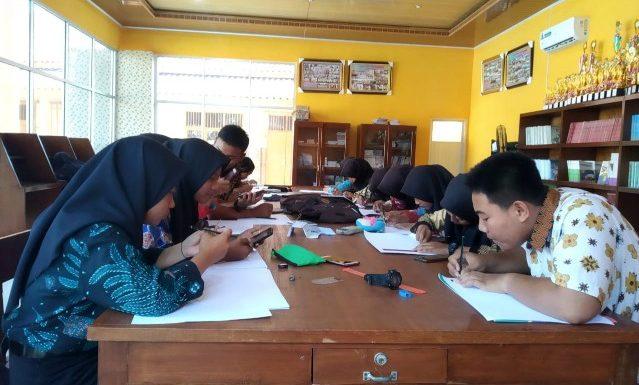 SMK Pangudi Luhur Peringati Hari Batik Nasional