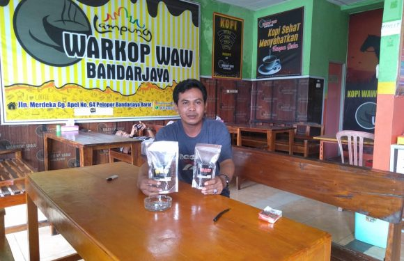 Sensasi Nongkrong Asyik di Warkop Waw