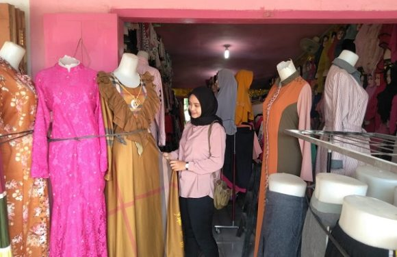 Mega Collection Tawarkan Aneka Trend  Model Busana Muslim Kekinian