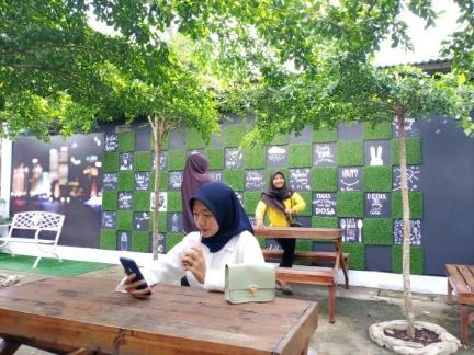 D'Teras Cafe Seputihmataram, Tempat Oke Berswafoto