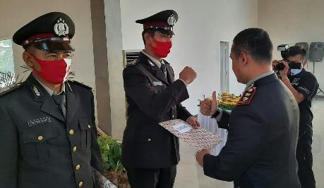 Tiga Personil Polsek Kalirejo  Dapat Penghargaan