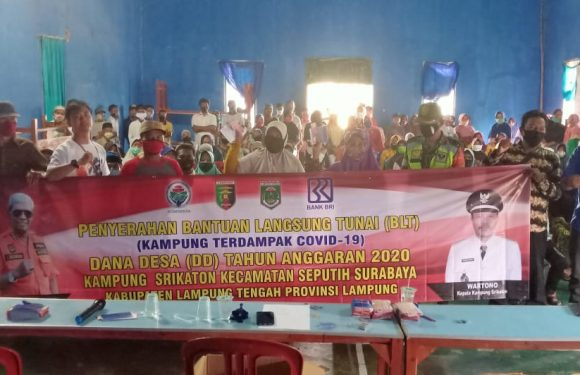 Kampung Srikaton Bagikan BLT Dana Desa Tahap Tiga