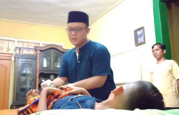Turun Langsung, Ardito Wijaya Layani Khitan Masal di Mujirahayu