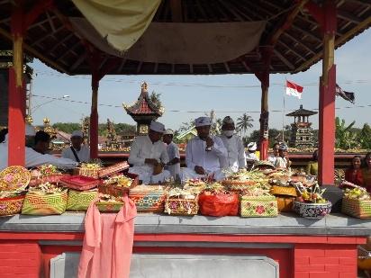 Umat Hindu Dharmaagung Rayakan Galungan