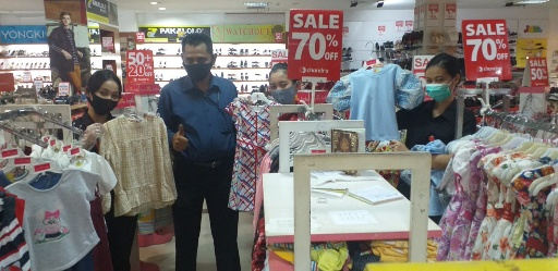 Hari Pelanggan, Chandra Superstore Bandarjaya Bagikan 200 Masker