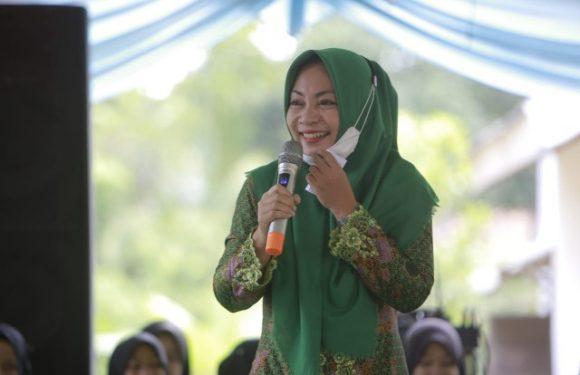Hadiri Pengajian NU di Bekri, Nessy Kalviya Mustafa Ajak Muslimat Cerdas Berdemokrasi