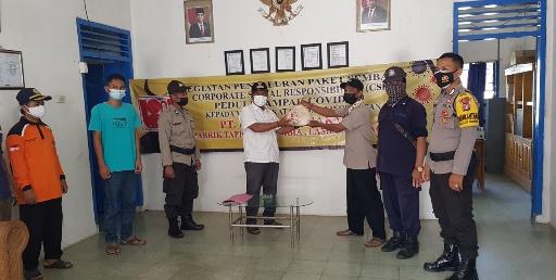 PT Florindo Makmur Bagikan 800 Paket Sembako di Tiga Kampung