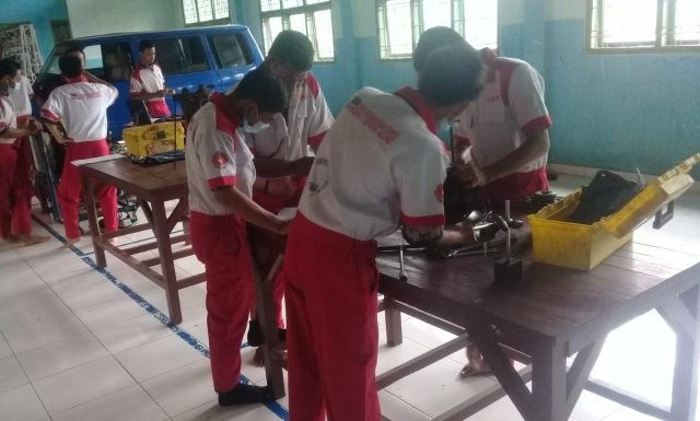 Program Keahlian Otomotif SMK N 1 Seputih Agung, Ciptakan Siswa Siap Kerja