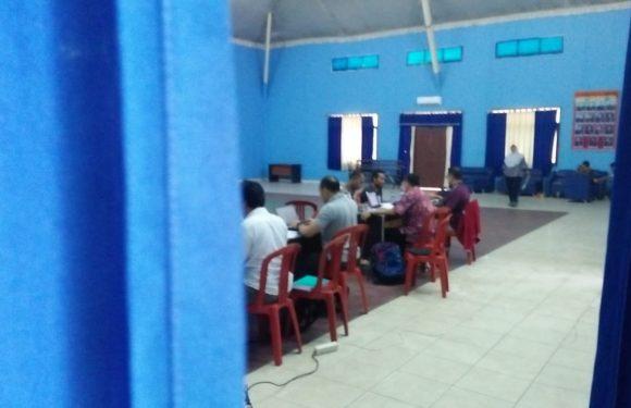 Tujuh Jam Lebih, ASN Mesuji Masih Di Periksa Tim Penyidik KPK