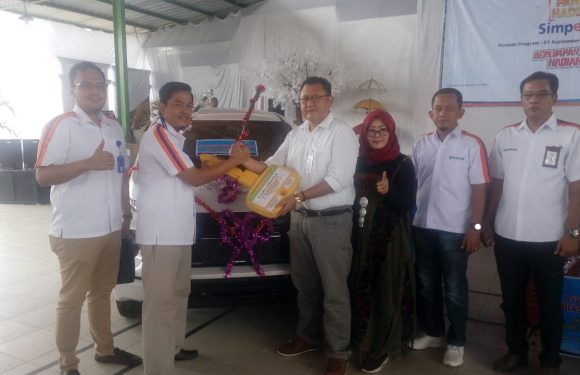 Nasabah BRI Unit Kotagajah, Diah Mustikawati Menangkan Undian Grandprize Mobil Expander
