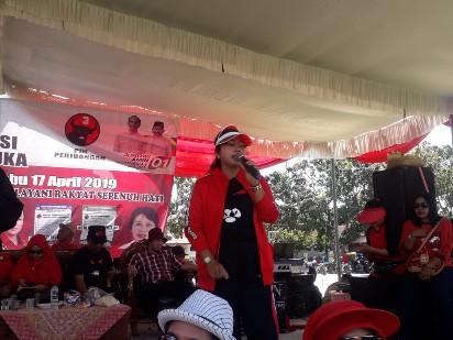 Caleg DPRD Lampung Ni Ketut Dewi Nadi, Tak Kenal Lelah Demi Masyarakat