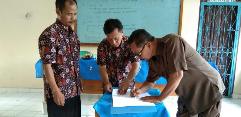 Drs. Rigo Jabat Kepala SMPN 2 Buminabung