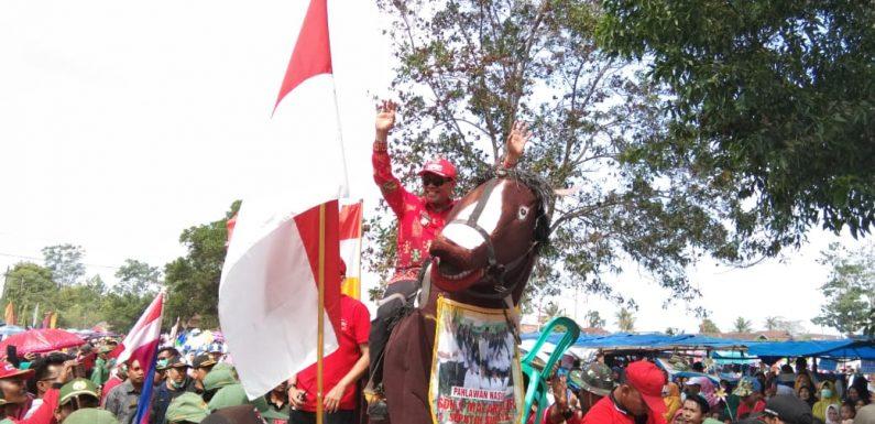 Bupati Loekman Lepas Pawai Budaya HUT RI Ke-74 di Seputihsurabaya