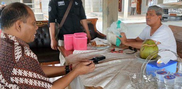 Bupati Loekman Tanggapi Laporan Kakam Poncowati Terkait Beras Tak Layak