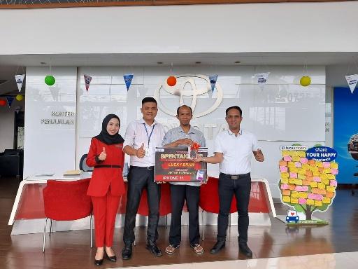 Customer Tunas Toyota Bandarjaya Dapat Hadiah di Spektakuler TAM 2019