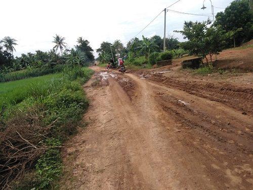 Jalan Rusak, Warga Mujirahayu Harapkan Perbaikan