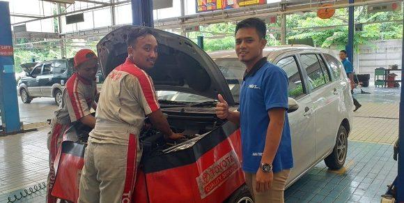 Booking Servis di Bengkel Tunas Toyota Dapat Gratis Oli