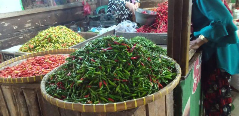 Jelang Idul Fitri, Harga Cabai Rawit di Pasar Bandarjaya Turun