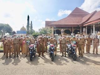 Bupati Musa Ahmad Serahkan 28 Randis Petugas Pertanian