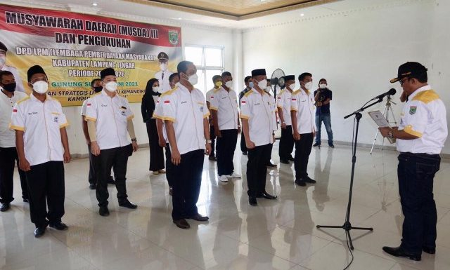 Wabup Lamteng Lantik Pengurus DPD LPM Periode 2021-2026