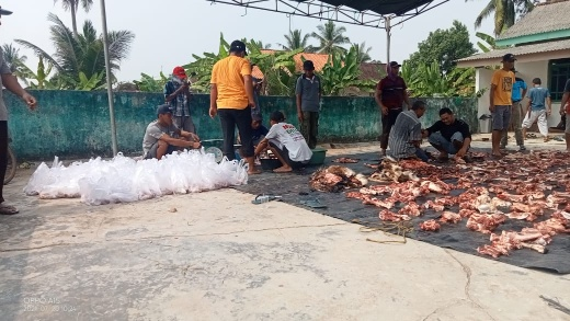 Mushala Nurul Amal Kampung Mujirahayu Bagikan 180 Paket Daging Kurban