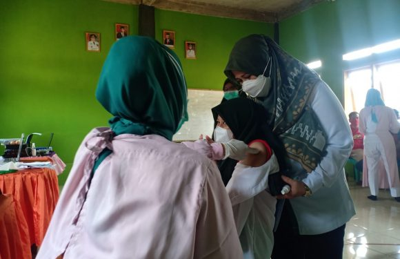 PKB Lamteng Gelar Vaksin Indonesia Bangkit, Santri : Terima Kasih Gus Muhaimin Iskandar